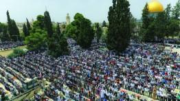 280.000 warga Palestina melaksanakan sholat Jum'at di Masjid Al-Aqsa