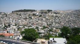 Akibat galian terowongan bawah tanah Israel, puluhan rumah warga terancam longsor