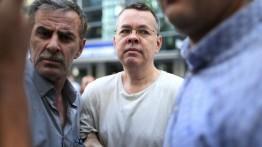 Turki bebaskan pendeta Amerika Andrew Brunson