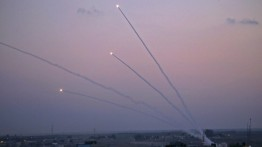 Pejuang Gaza hujani Israel dengan puluhan roket
