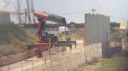 Israel mulai pembangunan tembok perbatasan yang kontroversial