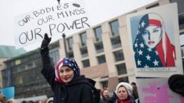 Ratusan Warga AS gelar protes menolak Donald Trump