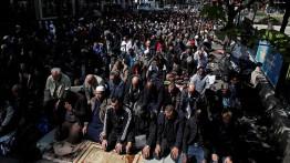 Prancis akan hentikan Muslim yang laksanakan shalat di jalan