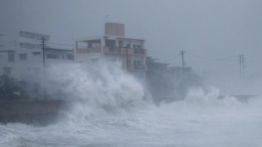 Dua orang tewas dan 120 lainnya terluka akibat badai Trami di Jepang