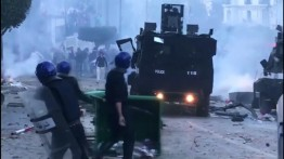 Berniat bertahan lima periode, Presiden AlJazair ditentang rakyatnya