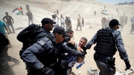 Penggusuran warga Khan Al-Ahmar ditunda sampai Senin depan