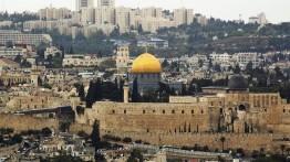 Presiden Palestina Mahmoud Abbas tiba di Cairo untuk berpartisipasi dalam konferensi Internasional bela Al-Quds