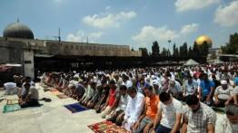 Ribuan warga Palestina kembali tunaikan sholat Jumat di Al-Aqsa
