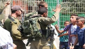 Warga dan anak-anak kota Khalil tuntut penghapusan hunian Israel