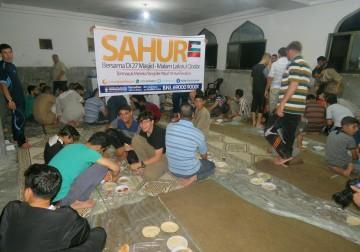 Muslimin Gaza berSahur, Program Sahur bagi yang beritikaf di 27 Ma