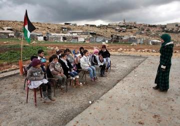 Kami tidak memiliki Sekolah,krn sudah di Gusur Militer Israel.