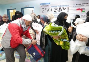 haru jawaban seorang ibu Palestina saat menerima bantuan(2)