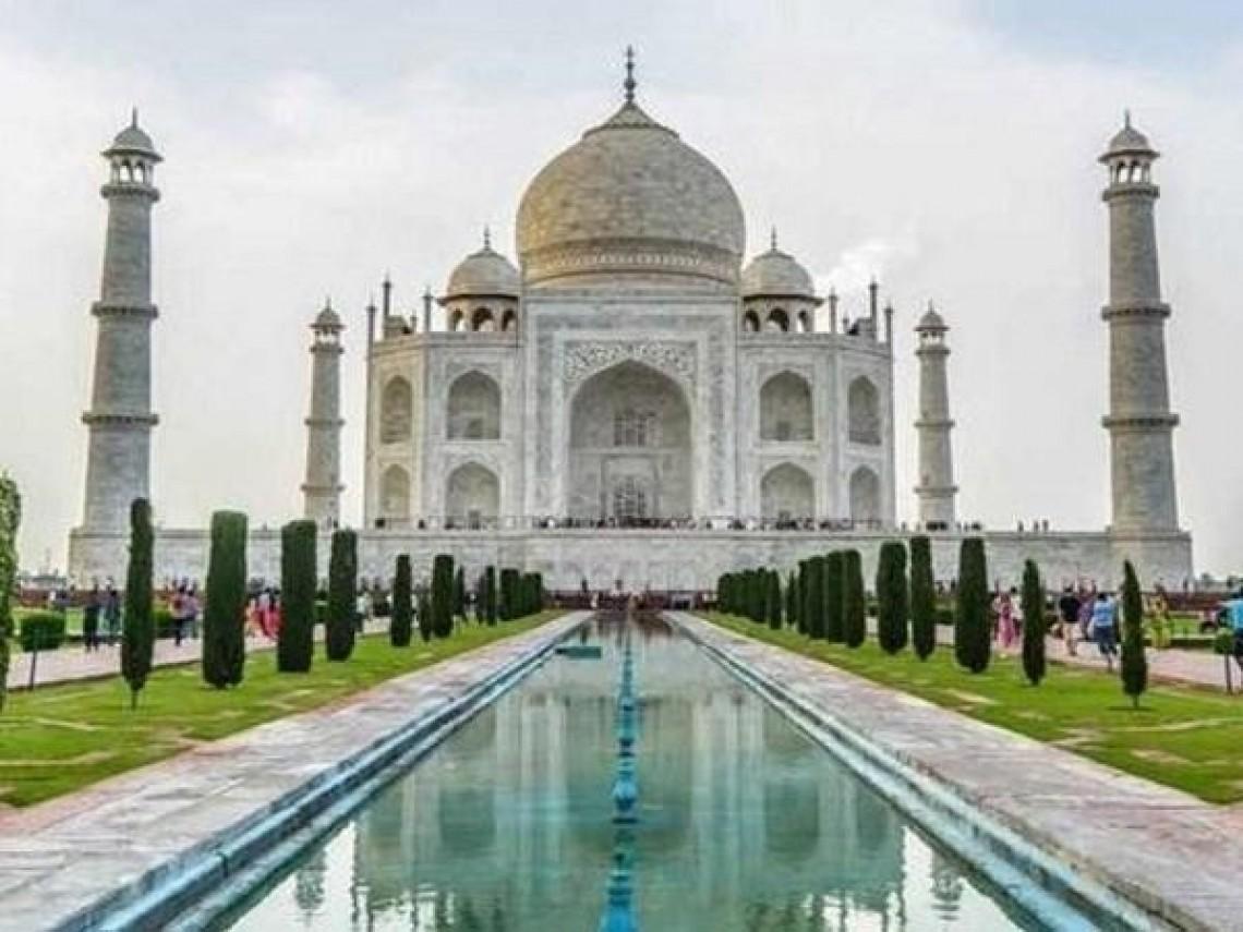 Kecuali Hari Jumat Masjid Taj Mahal Ditutup Untuk